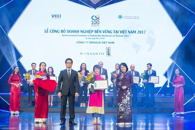 Dekalb Việt Nam được vinh danh năm thứ 2 liên tiếp trong Top 10 doanh nghiệp phát triển bền vững Việt Nam.