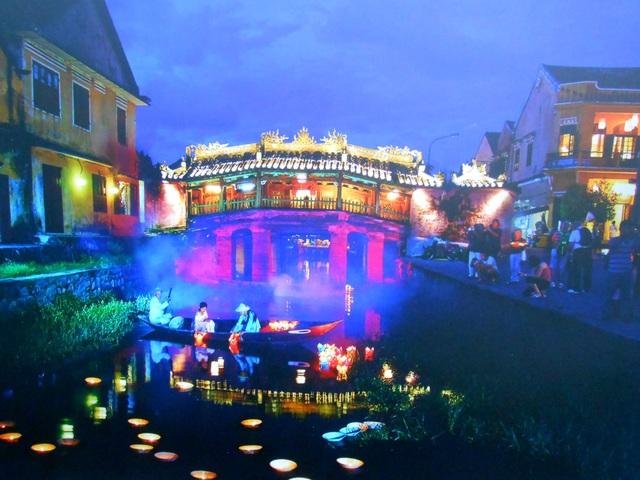 Đêm hoa đăng - Lê Trọng Khang
