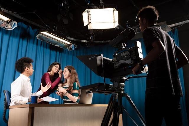 Trung tâm thực hành truyền thông - Khoa Truyền Thông Thông Tin MDIS