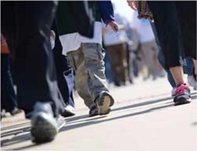 Đi bộ nhanh giúp người trung niên cải thiện sức khoẻ - 1