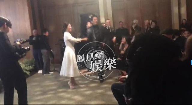 Song Hye Kyo và Song Joong Ki diện đồ hiệu giá gần 3 tỉ đồng trong hôn lễ thế kỷ - 6