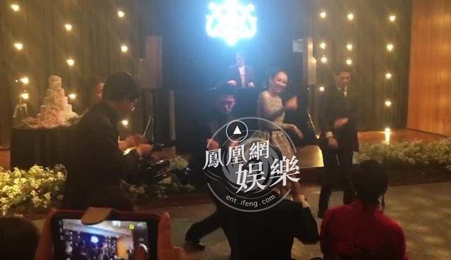 Song Hye Kyo và Song Joong Ki diện đồ hiệu giá gần 3 tỉ đồng trong hôn lễ thế kỷ - 2