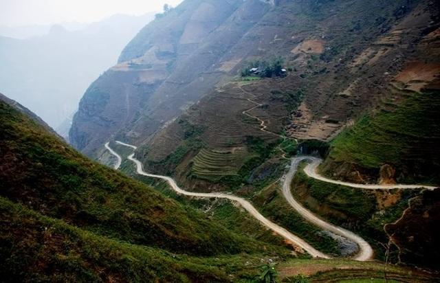 Mã Pí Lèng được du khách gọi là một trong tứ đại đỉnh đèo tại vùng núi phía Bắc Việt Nam.