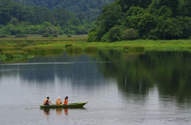 Bàu Sấu nằm lọt thỏm trong vùng lõi của vườn quốc gia Nam Cát Tiên.