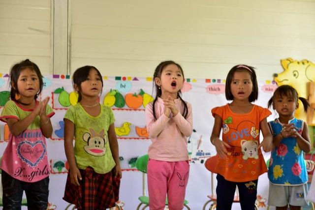 Khánh thành công trình phòng học Dân trí thứ 13 tại Điện Biên - 13