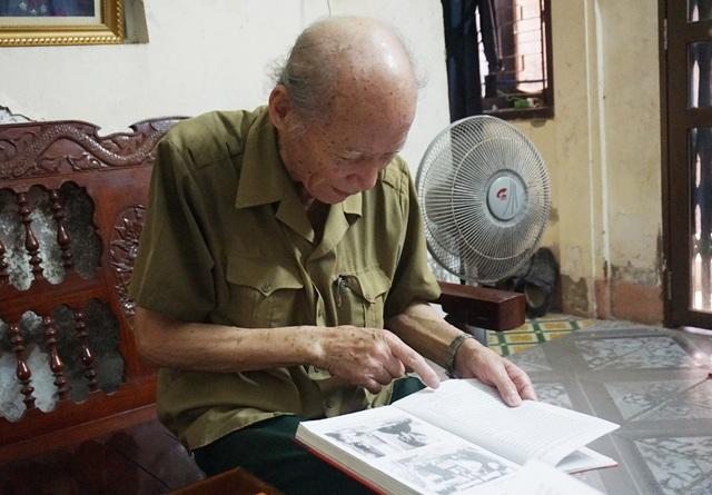 Ông cũng là người góp phần biên soạn cuốn sách Điện Biên Phủ - Điểm hẹn của Ban liên lạc chiến sỹ Điện Biên Phủ Tp Vinh (Nghệ An).