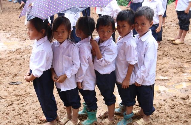 Khởi công xây dựng công trình phòng học Dân trí tại Điện Biên - 9