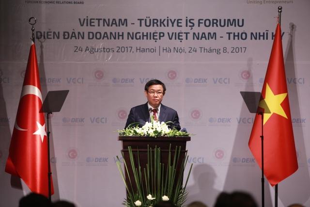 Phó Thủ tướng Vương Đình Huệ có bài phát biểu quan trọng tại Diễn đàn.