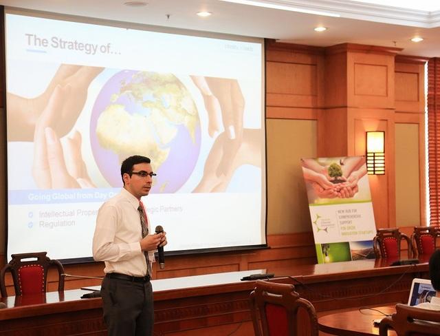 Ông Meir Dardashti, chuyên gia phát triển hệ sinh thái đổi mới sáng tạo đến từ Vườn ươm Ideality Roads.