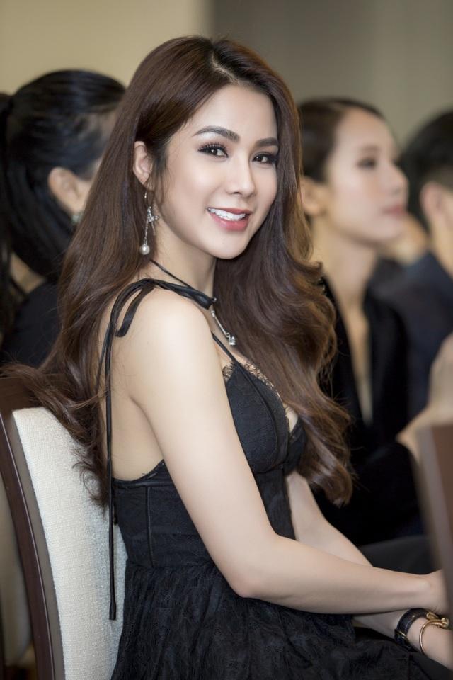 Sau thời gian dài gây ồn ào về thẩm mỹ, nữ diễn viên gốc Hà thành đã xinh đẹp trở lại.