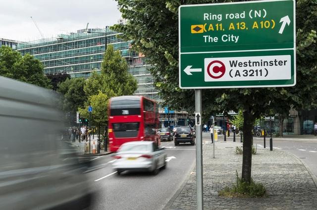 Chính phủ Anh lên kế hoạch áp thuế cao với xe chạy diesel - 1