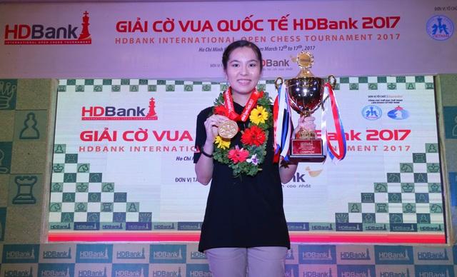 Dinara (Kazakhstan) giành ngôi đầu bảng nữ