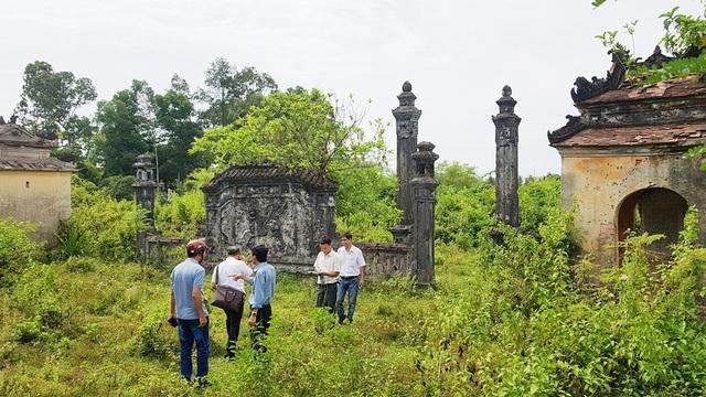 PV tiếp cận hiện trường ngôi đình làng cổ