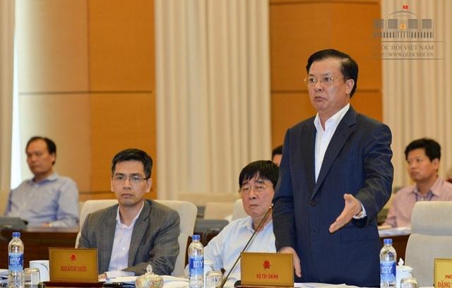 Bộ trưởng Tài chính Đinh Tiến Dũng nêu cả kết quả tích cực và những hạn chế trong công tác thực hành tiết kiệm, chống lãng phí năm qua.