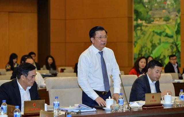 Bộ trưởng Tài chính tại phiên trình luật trước UB Thường vụ Quốc hội