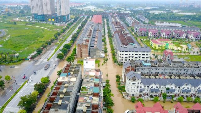 Cảnh ngập mênh mông tại khu vực An Khánh, huyện Hoài Đức, Hà Nội