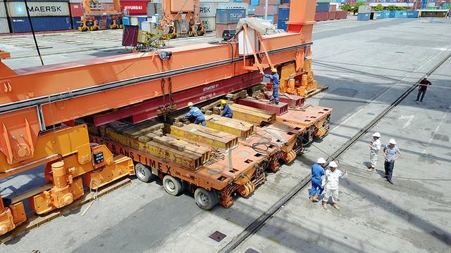 """Dàn rơ-moóc tự động """"cõng"""" cần cẩu 650 tấn đi hàng trăm mét - 4"""