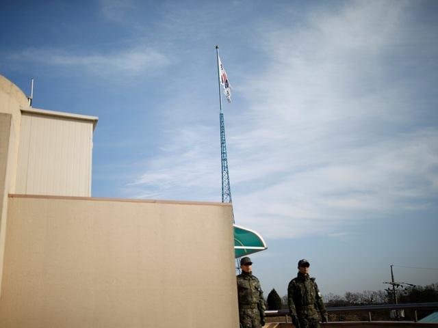Ban đầu, trường mở cửa dành cho con em nông dân sống ở DMZ sau chiến tranh Triều Tiên năm 1953. Hiện tại sau hiệp định ngừng bắn, Triều Tiên và Hàn Quốc vẫn đang ở trong tình trạng chiến tranh về mặt kỹ thuật.
