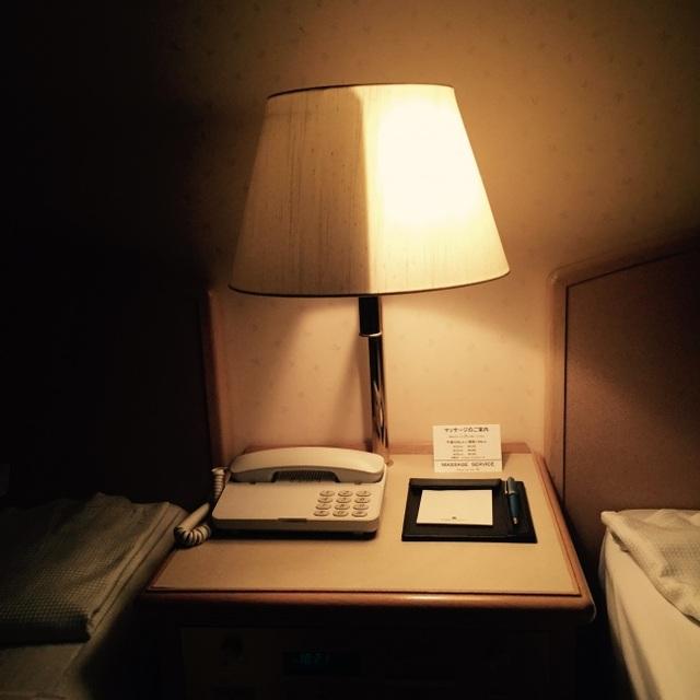 Chiếc đèn có khả năng bật tắt độc lập ở hai nửa này sẽ là giải pháp tối ưu cho những căn phòng có hai phòng ngủ nhưng hạn chế về mặt diện tích.