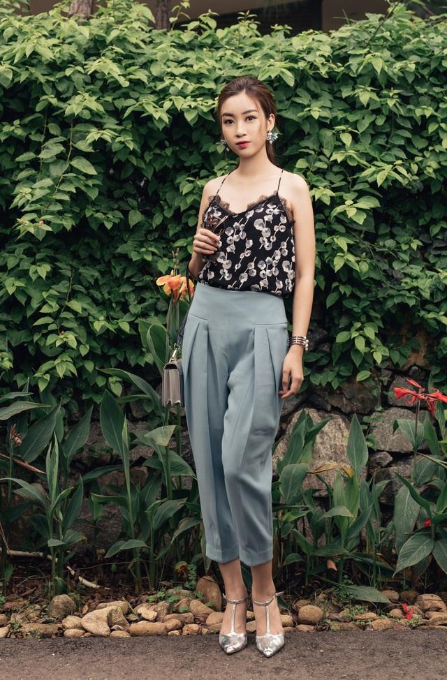 Hoa hậu Việt Nam chia sẻ, cô thích sử dụng thời trang Việt.