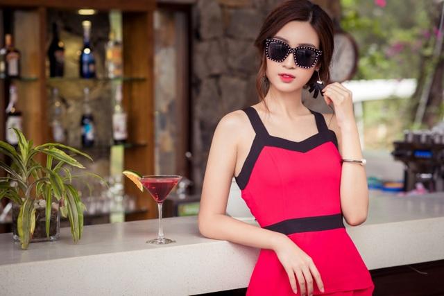 Những bộ cánh mang màu sắc nổi bật càng tôn thôn dáng vẻ thanh mãnh của Hoa hậu Việt Nam 2016.