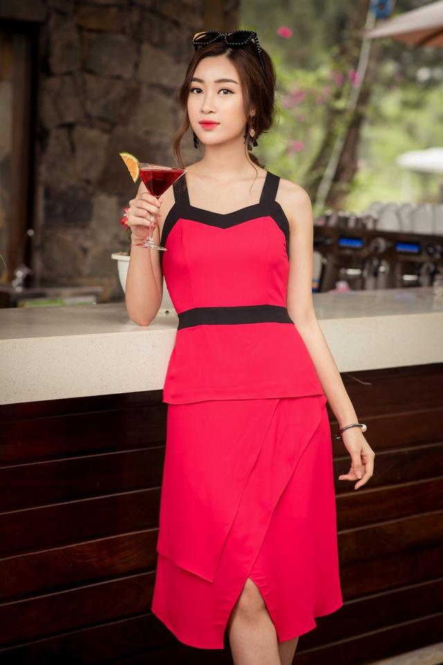 Hoa hậu Đỗ Mỹ Linh khoe vóc dáng nuột nà đón chào mùa hè - 3