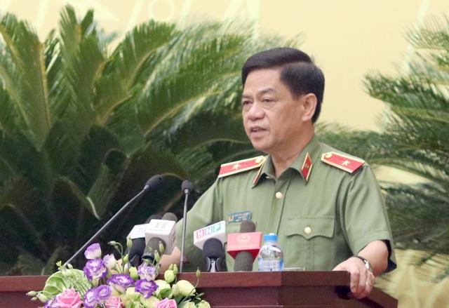 Thiếu tướng Đoàn Duy Khương - Giám đốc Công an TP Hà Nội trả lời rõ câu hỏi của đại biểu
