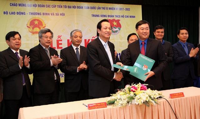 Lễ ký kết chương trình phối hợp giữa Trung ương Đoàn TNCS HCM và Bộ LĐ-TB&XH.