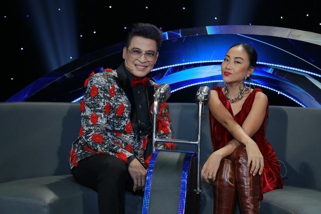 Ca sĩ Đoan Trang và MC Thanh Bạch cùng ngồi ghế nóng gameshow.