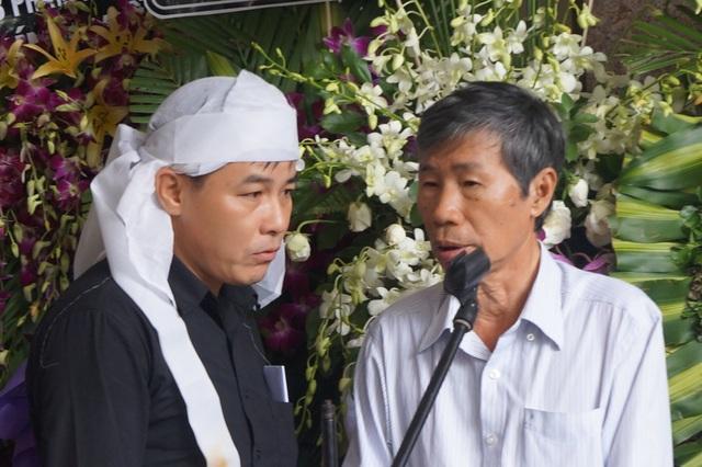 Anh Doãn Thi, con trai nhà thơ Thanh Tùng tất bật lo tang lễ cho bố