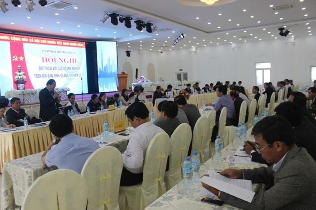 Đại diện các Sở, ngành trả lời kiến nghị của doanh nghiệp tại diễn đàn
