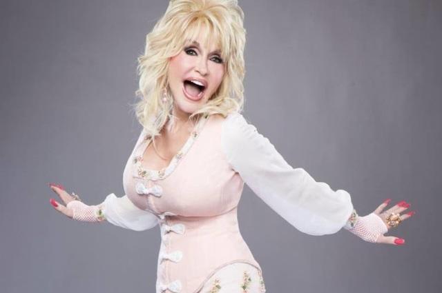 Bà Dolly Parton chính là tác giả của ca khúc I will always love you.