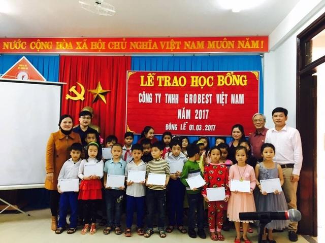 Trao học bổng Grobest cho học sinh Trường Trường tiểu học Đông Lễ, Đông Hà, Quảng Trị