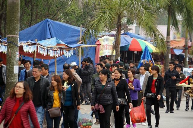 Các tuyến đường các lúc càng đông người