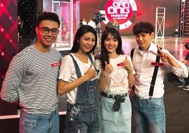 Hình ảnh mới nhất của Đông Hùng và bạn gái tại một game show