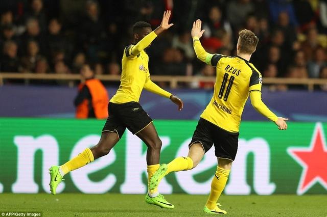 Marco Reus ghi bàn danh dự cho Dortmund