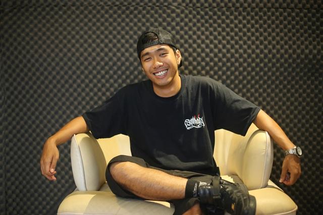 Nguyễn Minh Lý – Leo (sinh năm 1995) là một trong những người thợ làm tóc dreadlocks ít ỏi tại TP Hồ Chí Minh