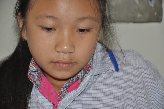 Ngọc Mai mới 10 tuổi nhưng đã có 5 năm đi viện điều trị căn bệnh ung thư máu.