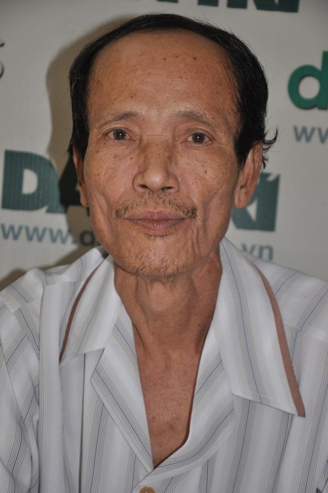 Bác Oanh (ông nội các cháu) vừa xuất viện về nhà sau thời gian dài ở bệnh viện điều trị vì tai nạn.