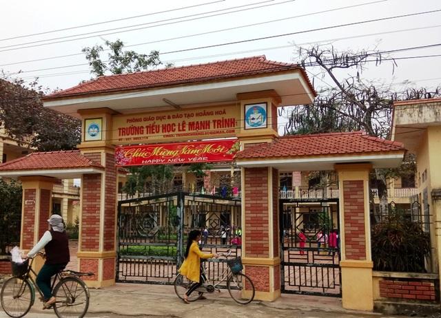 Toàn bộ giáo viên, nhân viên trường Tiểu học Lê Mạnh Trinh đã được nhận lương