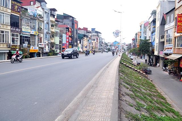 Nếu thay thế đê đất thành đê bê tông, Hà Nội sẽ có điều kiện mở rộng đường