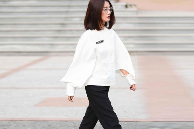 MC Thể thao VTV Quỳnh Chi dẫn chương trình The Remix - 10