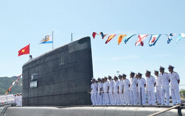 Theo Quân chủng Hải quân, việc xây dựng và phát triển các lực lượng bảo vệ biển nói chung, lực lượng tàu ngầm hiện đại của Hải quân Việt Nam nói riêng là việc làm bình thường của quốc gia có biển, không phải là chạy đua vũ trang, không phải để răn đe các nước trong khu vực, mà để bảo vệ vững chắc chủ quyền biển đảo, thềm lục địa của Tổ quốc