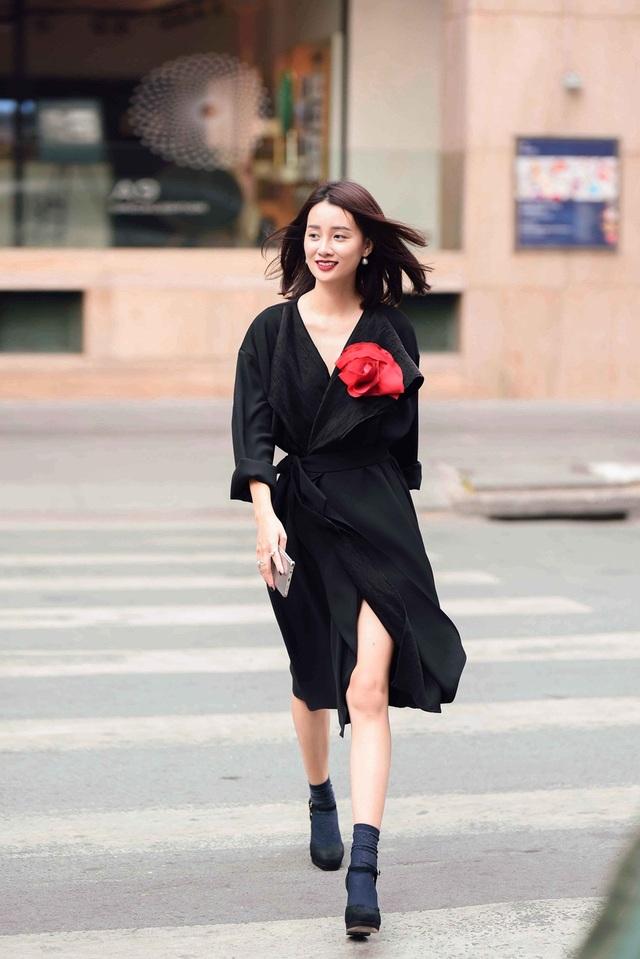 MC Thể thao VTV Quỳnh Chi dẫn chương trình The Remix - 12