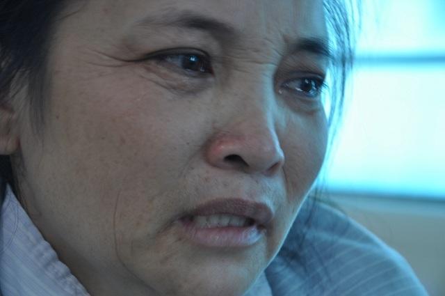 Chị sợ hãi khi nghĩ về tương lai của đứa con nhỏ khi đã mất bố, lại sắp mất mẹ.