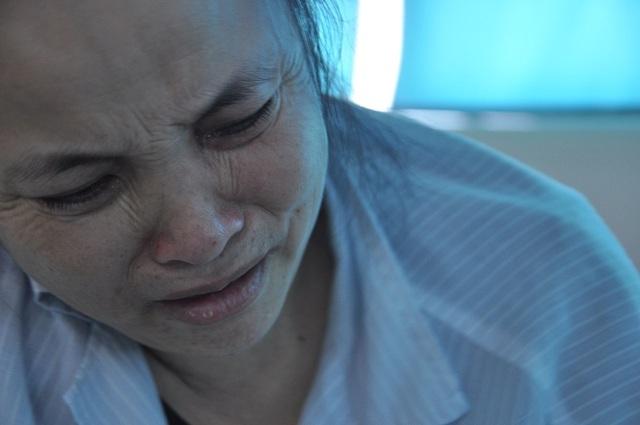 Giờ chồng chị đã không còn, bản thân chị lại không còn sức lực bởi căn bệnh đã di căn vào xương.