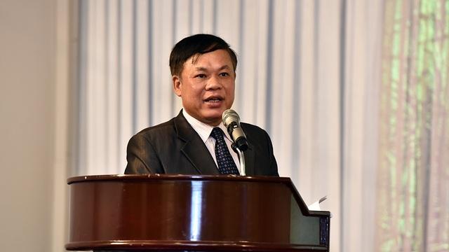Ông Đàm Xuân Thành, Phó Cục trưởng Cục Thú y (Bộ NN&PTNT) cho biết: Cơ quan chức năng đã và đang siết chặt khâu nhập khẩu nguyên liệu kháng sinh để sử dụng làm thuốc thú y, từ đó sẽ hạn chế rất nhiều việc lạm dụng kháng sinh trong chăn nuôi và nuôi trồng thủy sản.