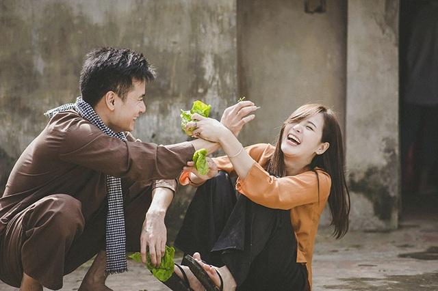 Năm trước, bố của Thu Hương đã qua đời. Bạn trai là người đã ở bên động viên cô trong khoảng thời gian rất đỗi buồn ấy.