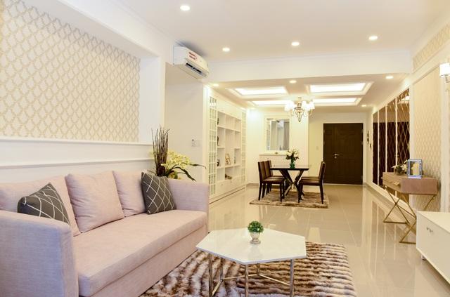 Không gian biệt thự cảnh quan sang trọng, ấm cúng và khách có thể chọn mua loại trang trí nội thất toàn bộ hoặc hoàn thiện cơ bản