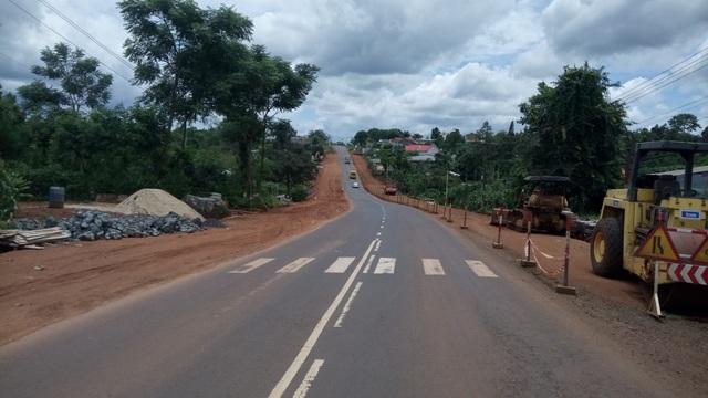 Riêng tuyến QL 26 còn lại đang được nâng cấp bằng Quỹ bảo trì đường bộ và nguồn ODA